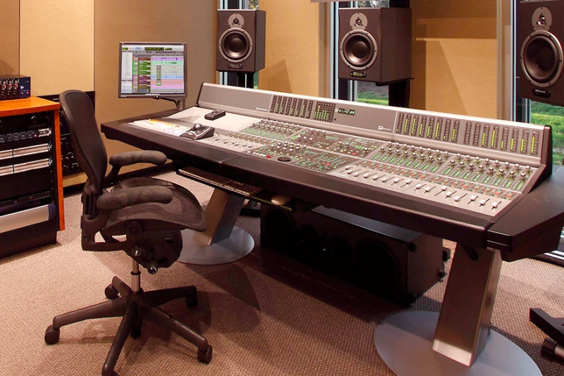 Do I Need to go to School to become a Musician, Producer or Engineer – read here!